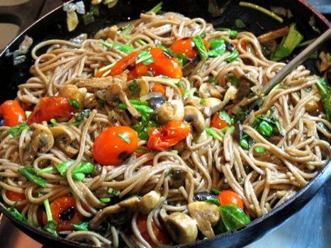 Salteado mediterráneo: con pasta, arroz o lo que quieras